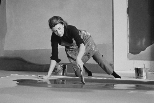 Helen Frankenthaler at work_1969Ernst Haas_2