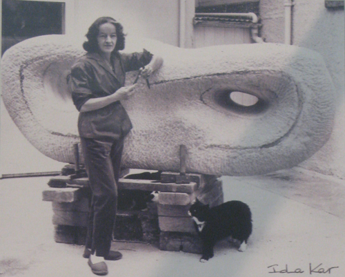 Hepworth with Reclining Curved Form