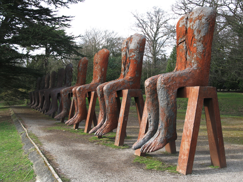 Ten Seated Figures_Magdalena Abakanowicz