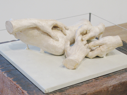 Variation for Four Hands and One Foot_Louise Bourgeois